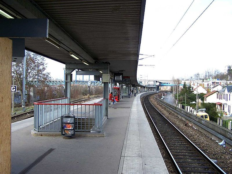 800px-Conflans_Gare_Fin_d_Oise2.jpg