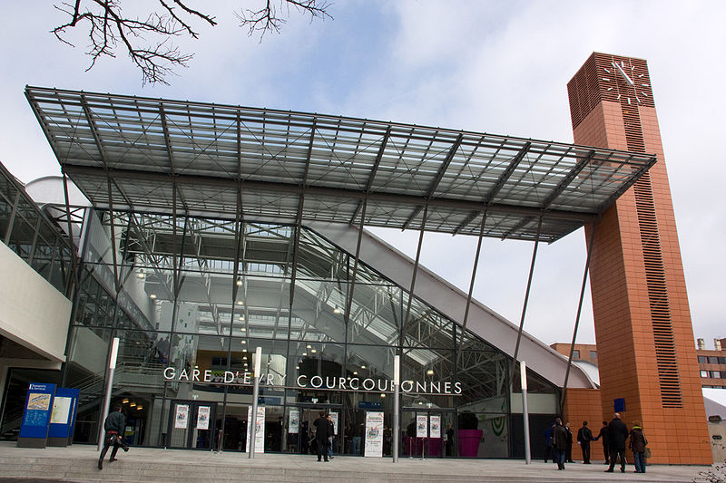 800px-Gare_Evry-Courcouronnes_20080323_IMG_3214.jpg