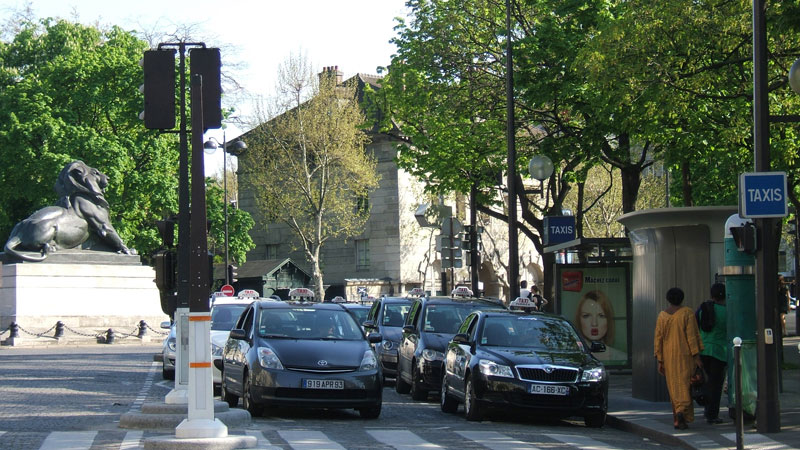 Taxis_Denfert_800p-web.jpg