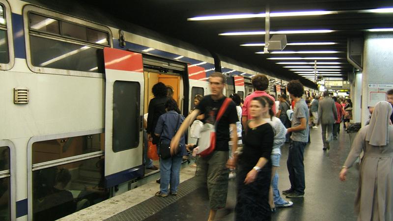 TrainsRerMetros_RerA800p.jpg